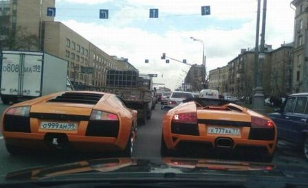 Lamborghinis racing in the streets of Moscow. Photo: autozoo.ru
