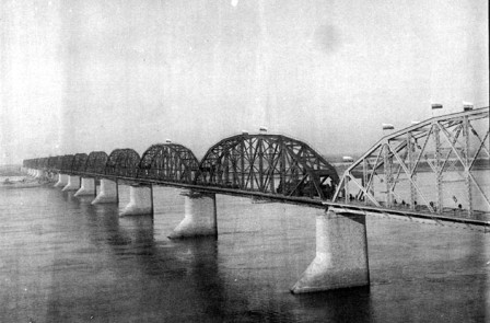 The opening of the 2,594 meter long Amur bridge near Khabarovsk  on the Trans-Siberian Railway (5 October 1916)